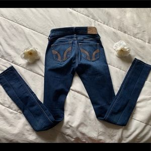 Hollister Jeans - HOLLISTER DARK BLUE SKINNY JEANS